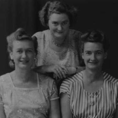 Sisters Pat, Gill and Stella Thomson