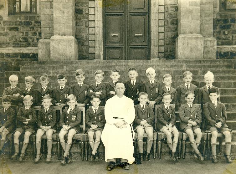 1954 class photograph - St Mary's School
